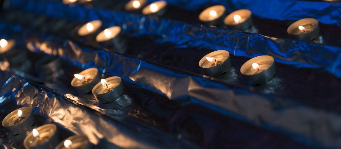 votive-candles-P5DSX5M